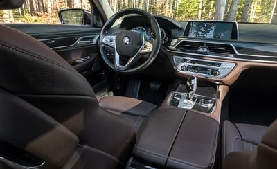 bmw 740i car rental in dubai
