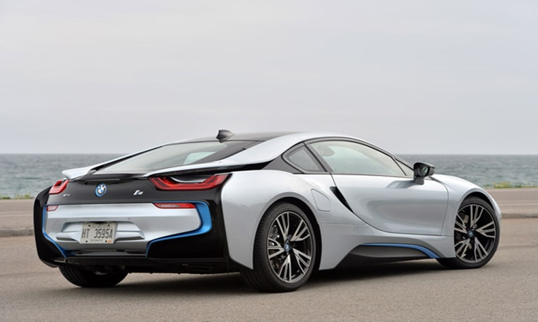 bmw i8 rental in sharjah, bmw rental in sharjah