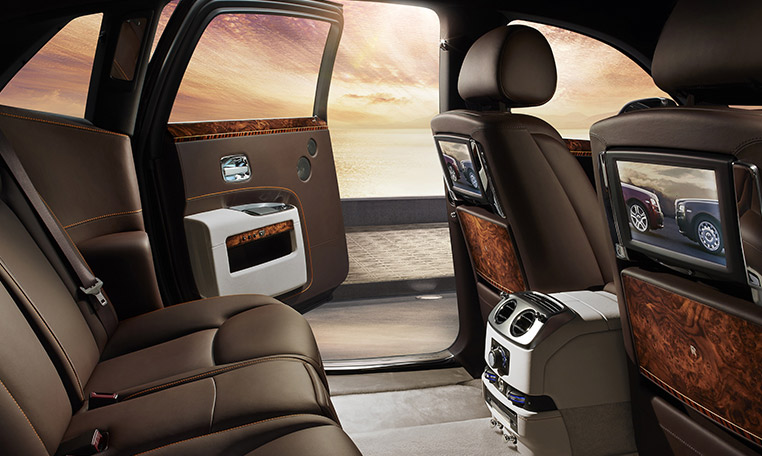 rolls royce ghost car rental in dubai, rolls royce rental dubai