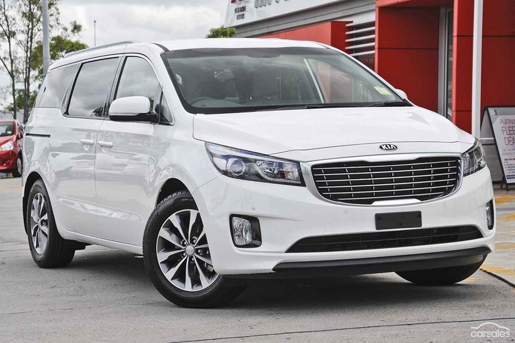 kia carnival rental in dubai